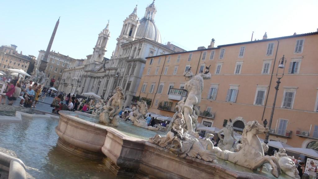 Navona Meydanı (Piazza Navona)
